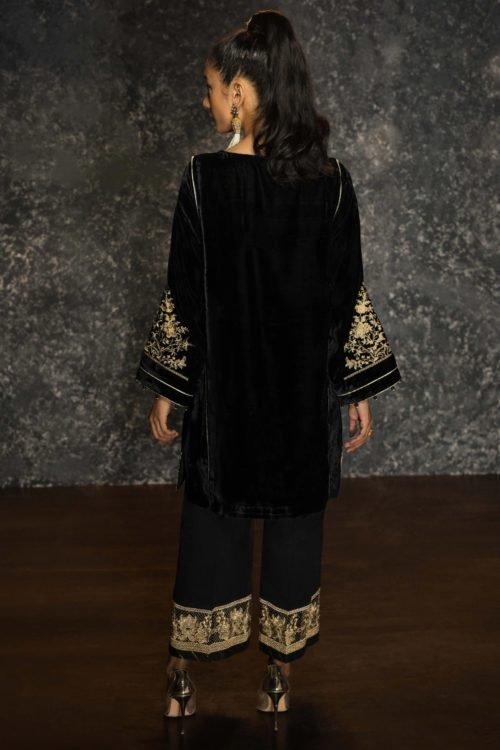 Sapphire Winter Collection 2019 - Original Sapphire Winter Collection 2019 Design Veil Noir Salwar Suits Pakistani Suits for Winter
