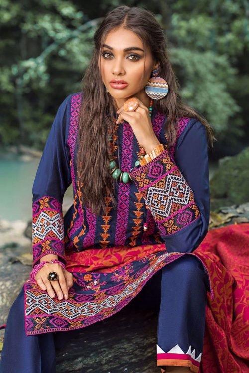 Zainab Chottani Winter Shawl 2019 Zainab Chottani Winter Shawl 2019 – SIENNA SAPPHIRE [tag]