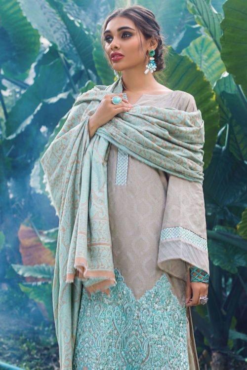 Zainab Chottani Winter Shawl 2019 Zainab Chottani Winter Shawl 2019 – ISABELLINE [tag]